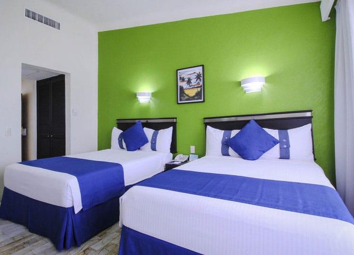 Aquamarina Beach Cancun Twin Room