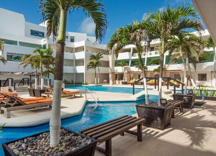 Flamingo Cancun Pool