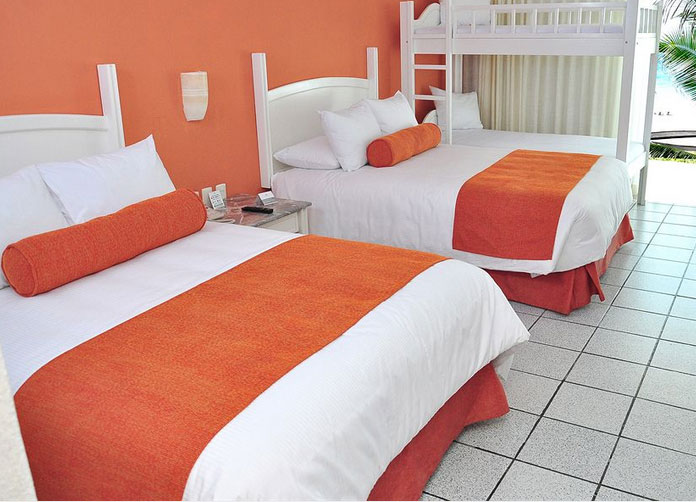 Flamingo Cancun Twin Room