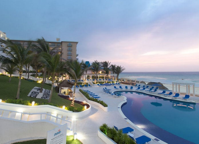 Golden Parnassus Cancun Pool View