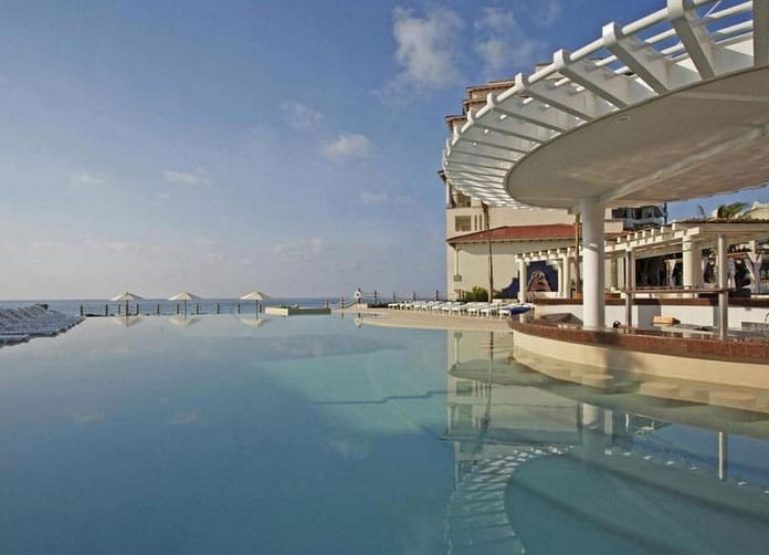 Grand Park Royal Cancun Caribe Pool