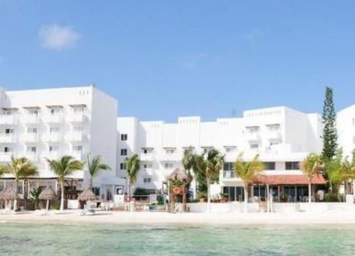 Holiday Inn Cancun Arenas Beach