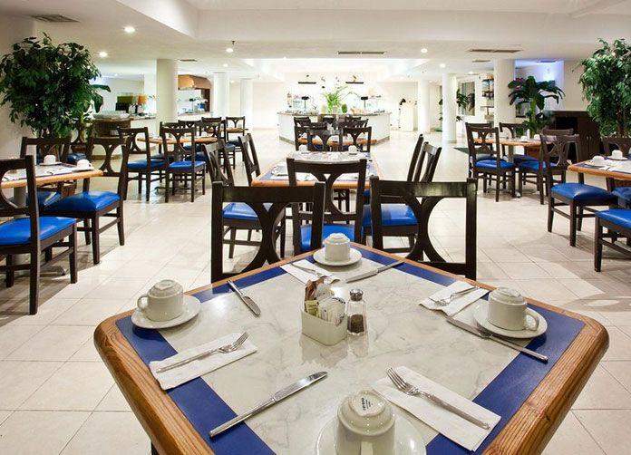 Holiday Inn Cancun Arenas Restaurant