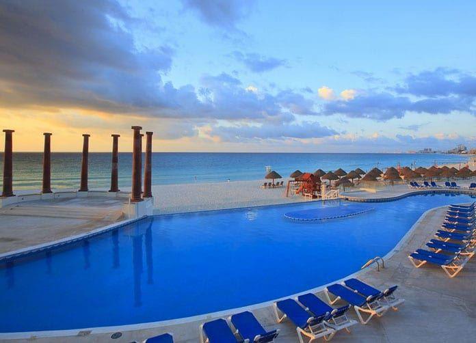 Krystal Cancun Pool