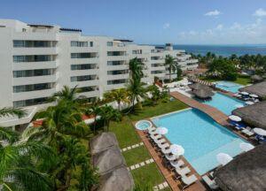 Privilege Aluxes Isla Mujeres Pool