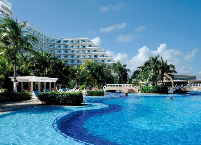 Riu Caribe Cancun Pool