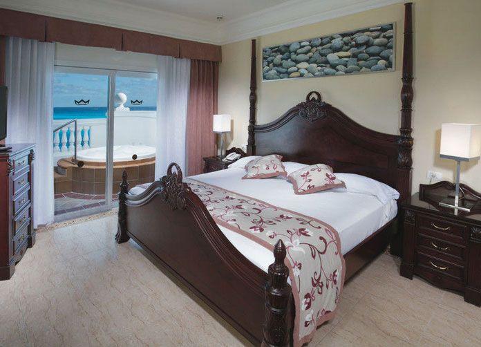 Riu Palace Las Americas King Room