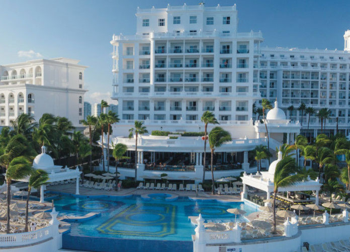 Riu Palace Las Americas Pool