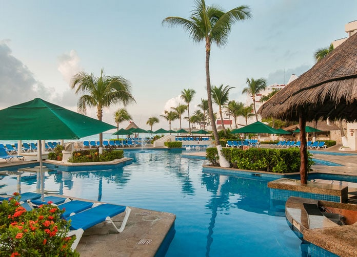 Royal Solaris Cancun King Pool