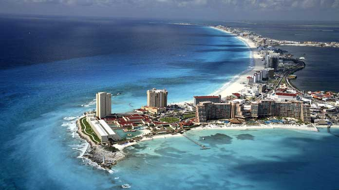 Cancun : Aerial View